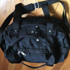 Lululemon / / All Day Duffel / / Black / / Gym Bag